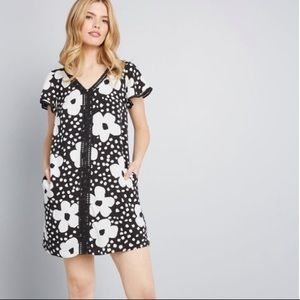 MODCLOTH Retro Black & White Shift Dress